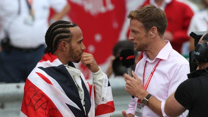 F1, Button: