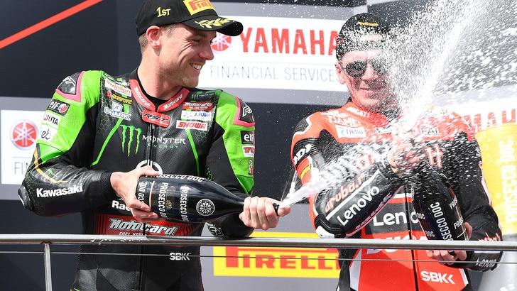 Superbike: Lowes vince gara-2 a Phillip Island, battuto Rea