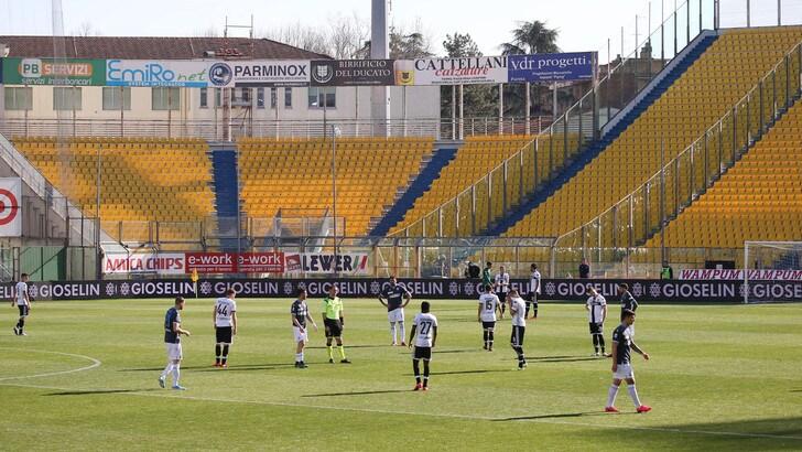 Parma, con l'ufficialità del nuovo protocollo allenamenti collettivi