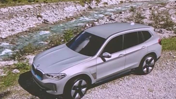 BMW iX3, la prima immagine del Suv elettrico