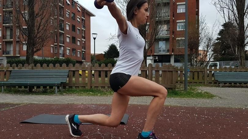 Allenati così: core stability è importante nella corsa. 4 esercizi da fare a casa