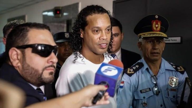 Ronaldinho ancora in carcere in Paraguay: respinta istanza della difesa