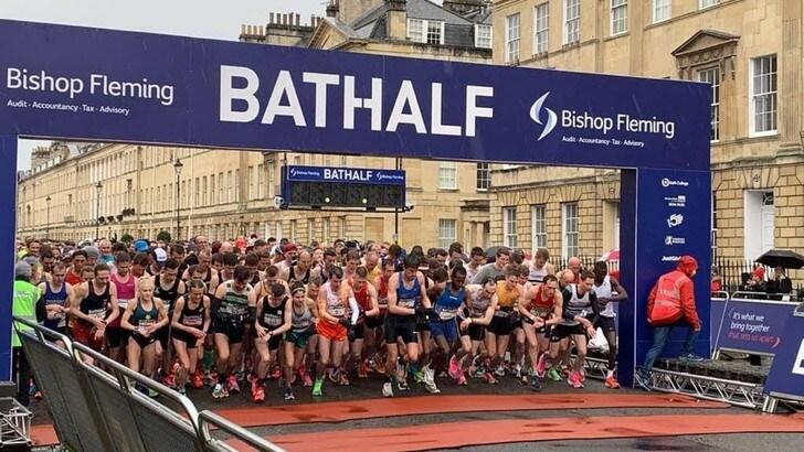 Pasticcio inglese: in 10mila hanno corso le mezze maratone di Liverpool e Bath