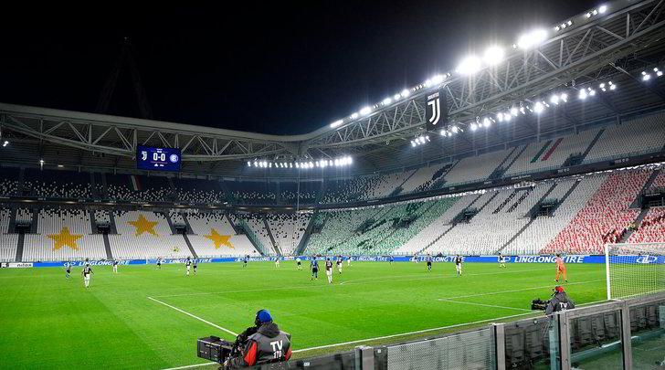 Caso stipendi dei calciatori: marzo è a rischio