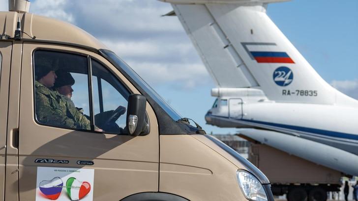 Coronavirus, dalla Russia in arrivo in Italia il 15° aereo di aiuti