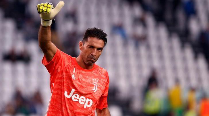 Buffon rinnoverà fino al 2021: la leggenda non smette