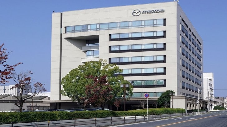 Mazda regola la produzione in risposta alla diffusione del coronavirus