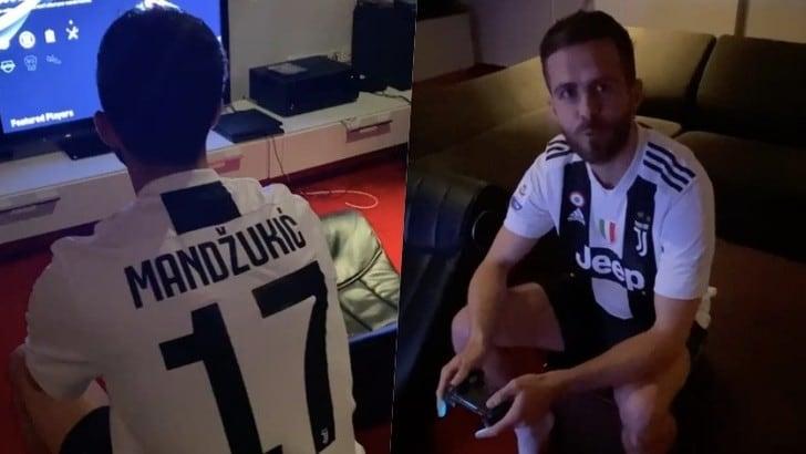 Juve, Pjanic con la maglia di Mandzukic e Mario risponde