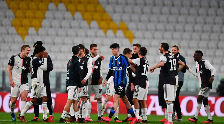 Serie A, le linee guida: vietate le proteste con gli arbitri. Niente più mascotte