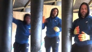 Il pugile Saunders spiega in video come picchiare le donne: sospeso