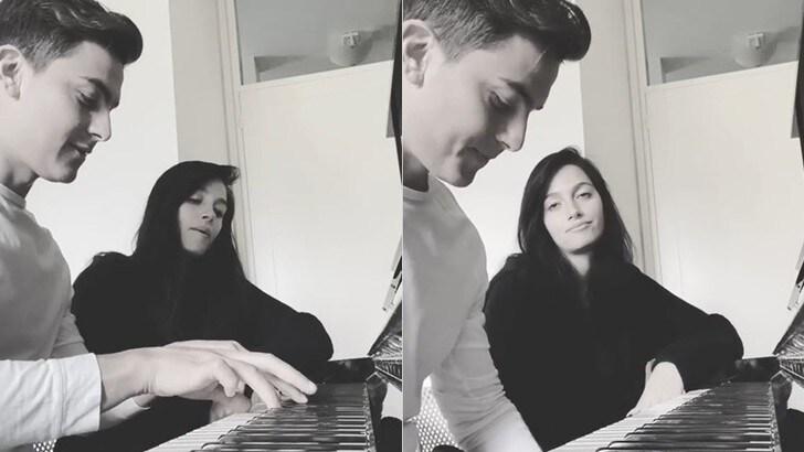 Juve, Dybala in quarantena s'improvvisa pianista per la sua Oriana