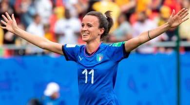 Sos, salvare il calcio femminile