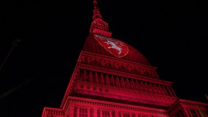 La Mole Antonelliana si illumina per il Grande Torino