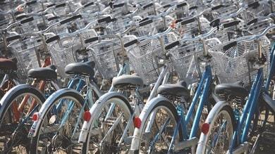 Incentivi per la mobilità: fino a 500 euro per bici e monopattini