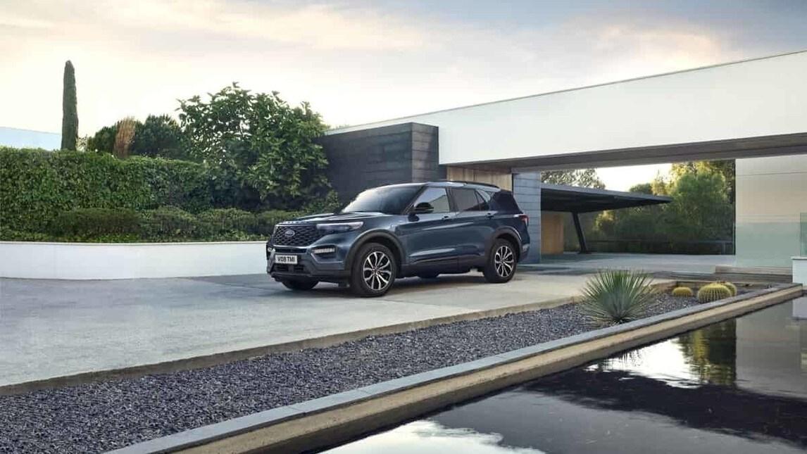 Ford Explorer, maxi SUV plug-in hybrid: gli scatti