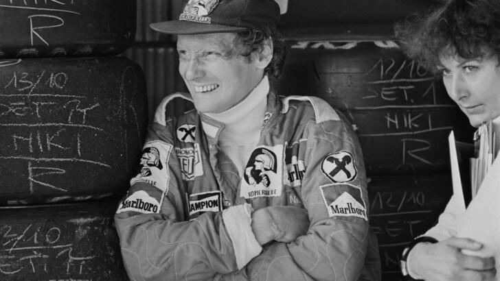 F1, Mercedes commemora Lauda: