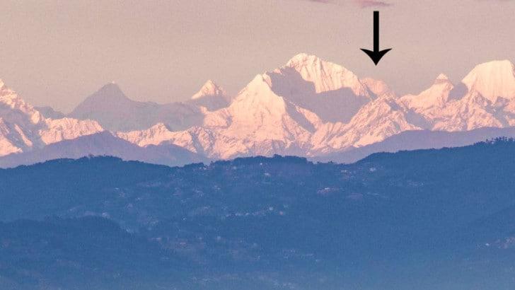 Coronavirus, in Nepal si rivede la cima dell'Everest grazie al lockdown