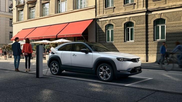 Partita la produzione del crossover elettrico Mazda MX-30