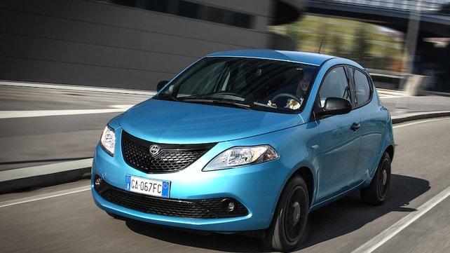 Nuova Lancia Ypsilon Hybrid EcoChic: tutti gli scatti