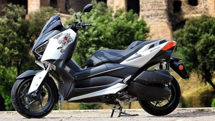 Yamaha XMax 300 'Roma Edition MMXX': gli scatti della prova