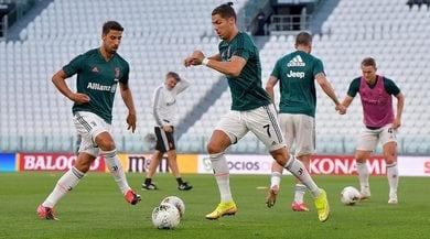 Juventus, partitella allo Stadium: tridente CR7, Dybala, Douglas