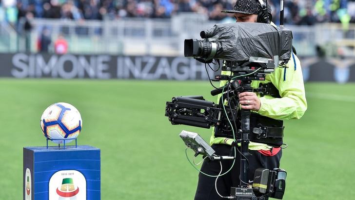 Serie A Gratis In Diretta Tv Si Tratta Con Sky Ipotesi Tv8 E La Rai Tuttosport