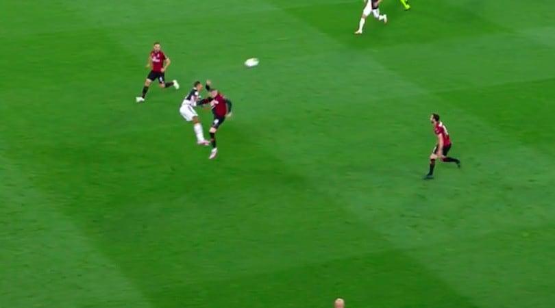 Juve-Milan, il bruttissimo fallo di Rebic su Danilo