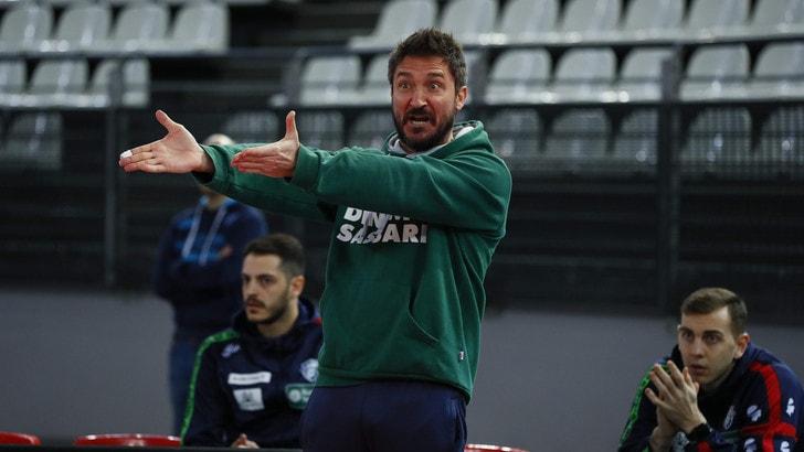 Dinamo Sassari, colpo di scena: coach Pozzecco resta