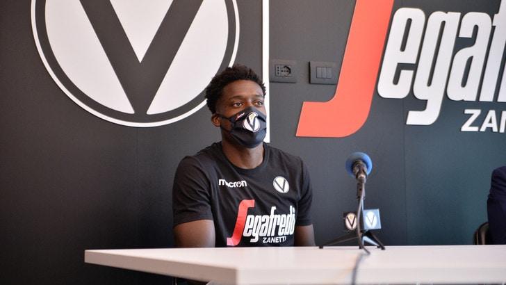 Awudu Abass firma con la Virtus Bologna: è ufficiale