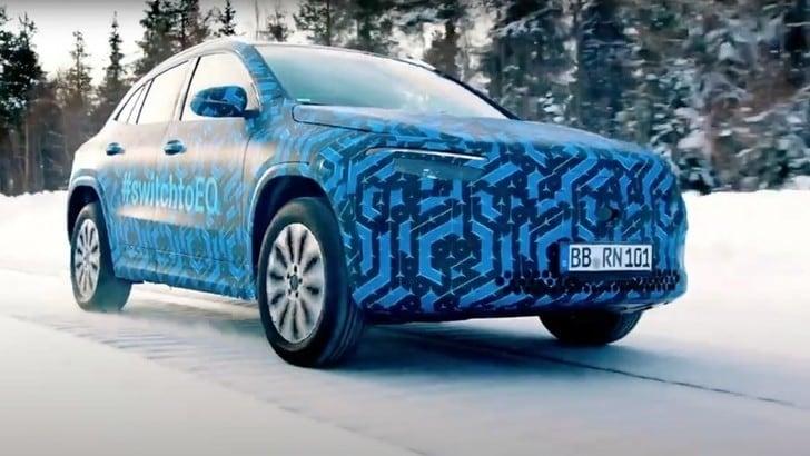 Mercedes EQA, prova sulla neve per il SUV elettrico