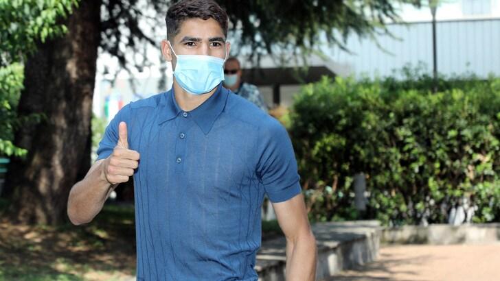Hakimi è a Milano: visite mediche e firma con l'Inter
