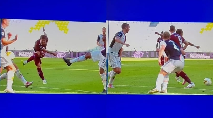 Juve-Torino, il fallo di mano di De Ligt per il rigore di Belotti