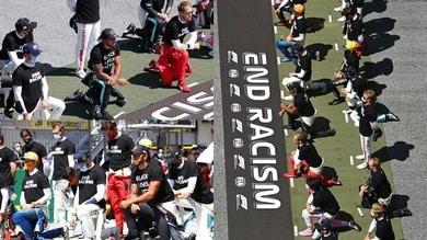 Floyd, l'omaggio della Formula 1: i piloti in ginocchio contro il razzismo