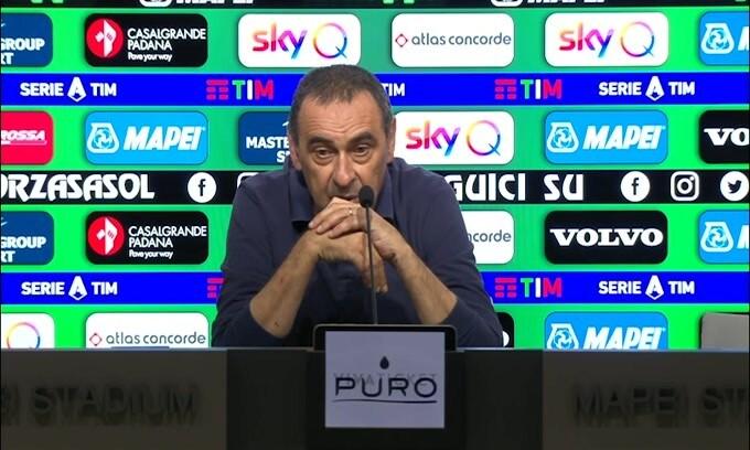 """Sarri: """"Servono 9 punti per lo Scudetto"""""""