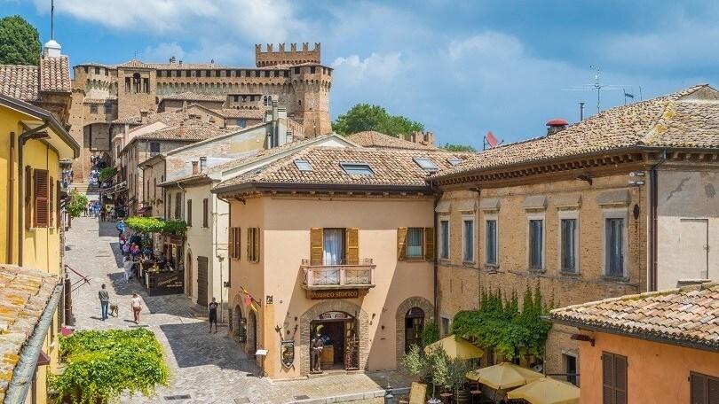 Il Castello di Gradara, tra arte e amori tragici