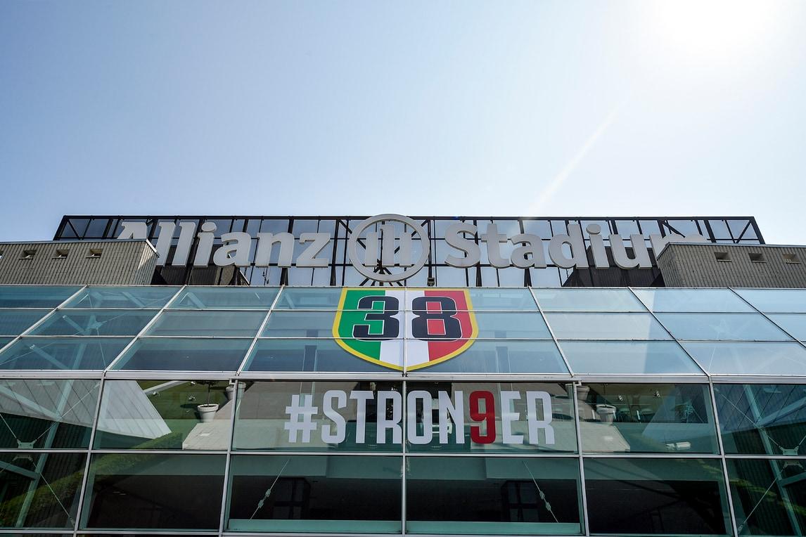 Juve stron9er e con 38 scudetti: cambia la facciata dell'Allianz