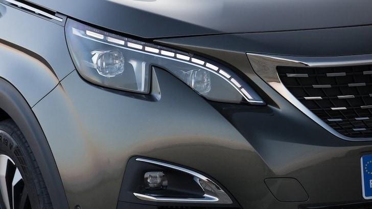 Peugeot 3008: primi scatti del restyling