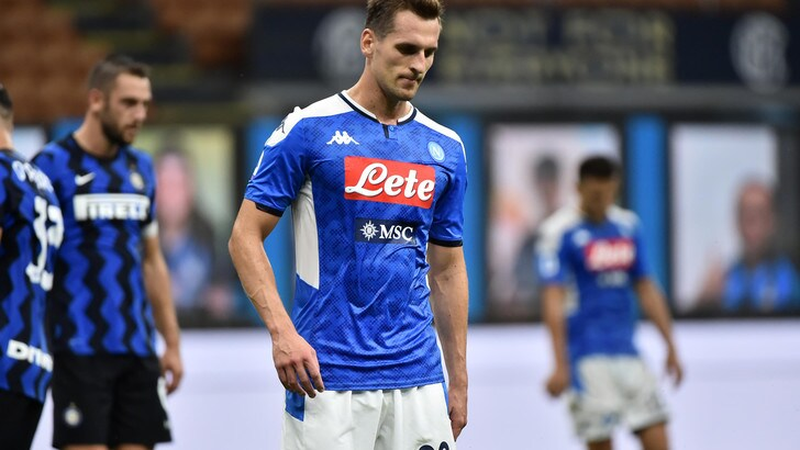 Napoli, Milik bersagliato dai tifosi:
