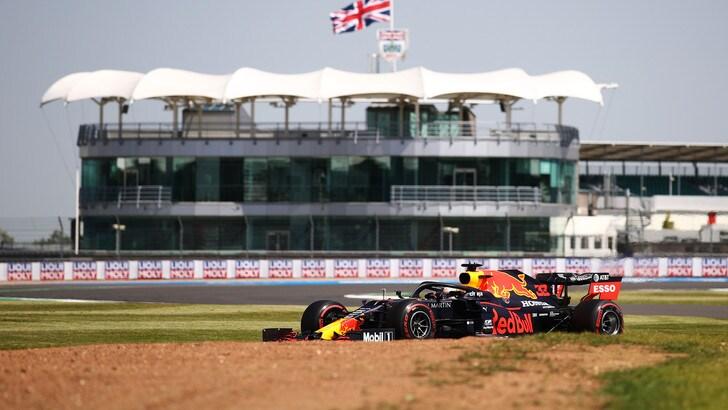 GP Silverstone, Verstappen il più veloce nelle libere, Leclerc quinto con la Ferrari
