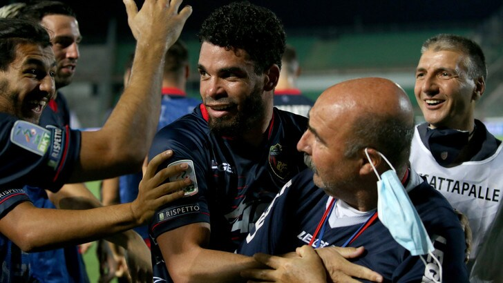 Serie B, Frosinone ai playoff. Cosenza salvo, Perugia-Pescara ai playout