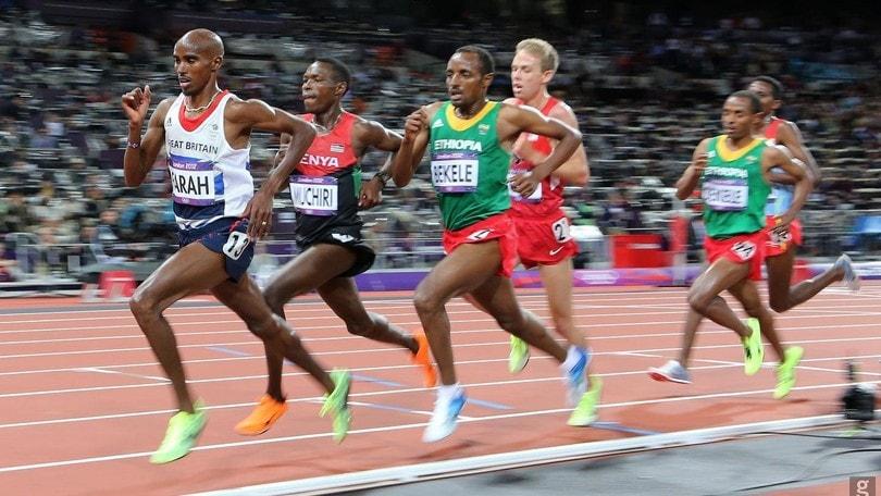 Fallisce in maratona Mo Farah e diventa la 'lepre' a Londra