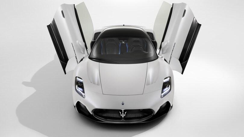 """Maserati MC20, supercar """"farfalla"""" più estrema e audace col V6 Nettuno"""