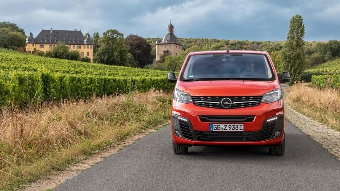 Opel Zafira-e Life, la prova della monovolume full electric: gli scatti