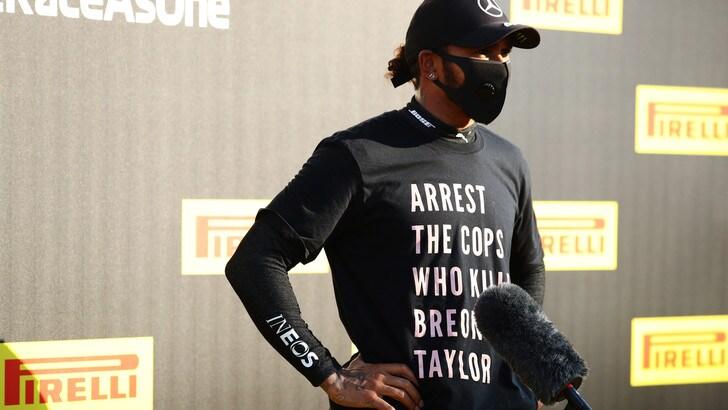 F1, Hamilton e la maglietta antirazzista: