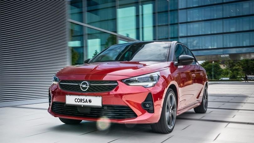 Opel Corsa-e, l'auto ufficiale di X Factor 2020 è l'elettrica tedesca