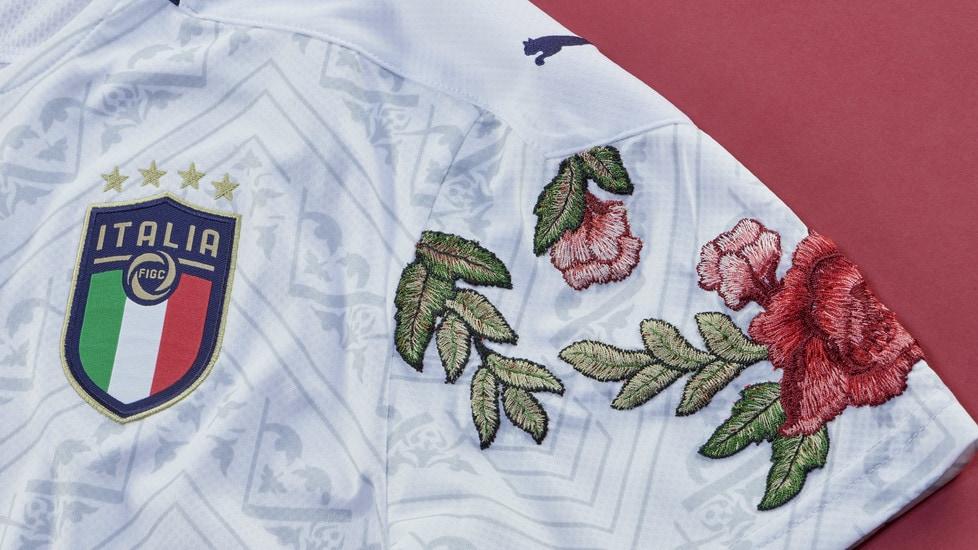 PUMA e The Football Gal presentano tre maglie da calcio FIGC personalizzate in omaggio all'arte rinascimentale italiana e alla cultura della moda.