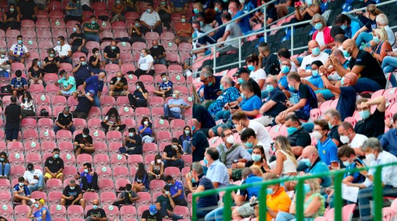 San Siro, riecco il pubblico: tifosi in tribuna tra mascherine e distanziamento