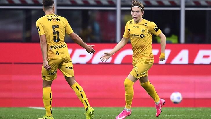 Milan, colpo di fulmine per Hauge: i rossoneri accelerano