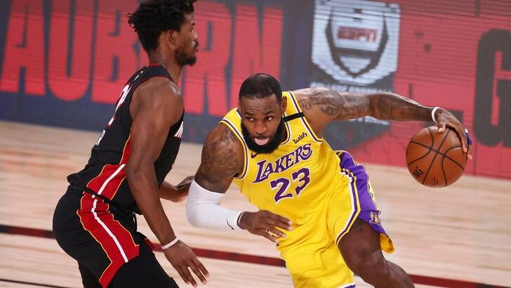 Nba, Miami ancora ko: Lakers a un passo dal titolo