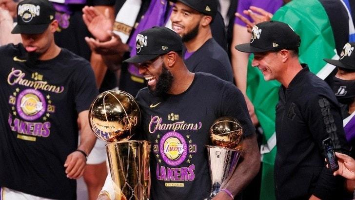 Nba, Lakers sul tetto del mondo! Gli Heat si arrendono in gara-6